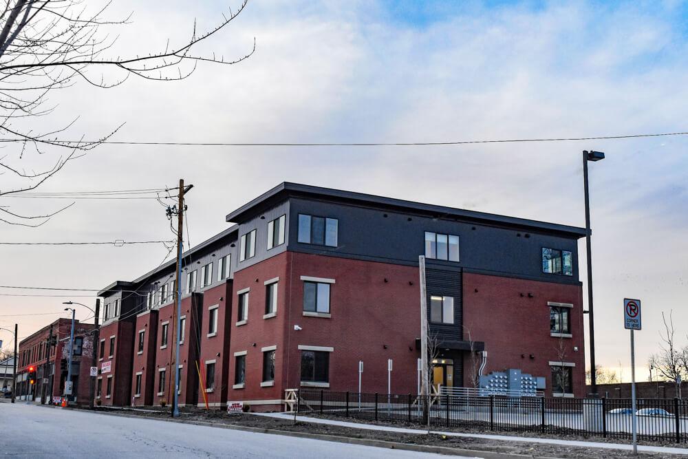 Housing 17 BrickstonesatRiverbend 03