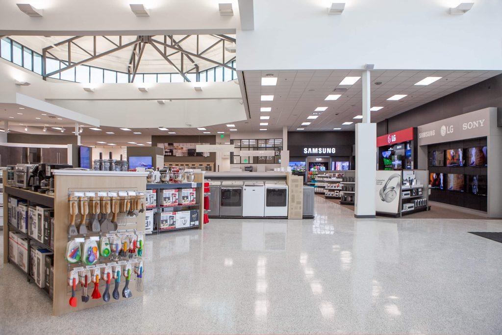 Retail 18 Nebraska Furniture Mart 004